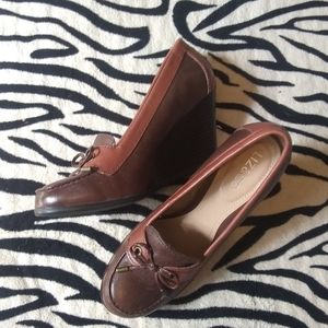 NWOT brown two tone leather loafer wedges